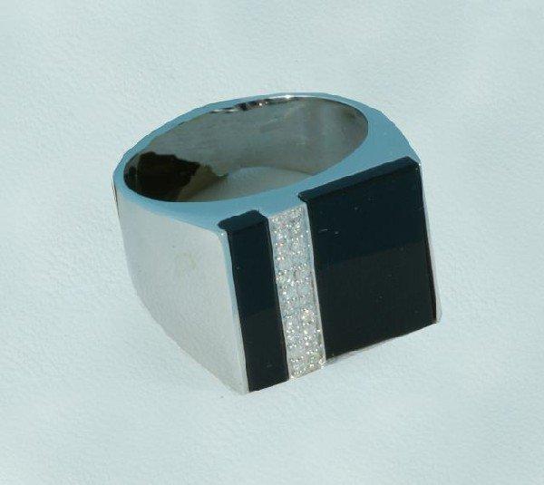 11D: GENTLEMEN'S 14KT WHITE GOLD ONYX AND DIAMOND RING