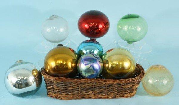 11I: BOX LOT OF ASSORTED ART GLASS GLOBE VASES