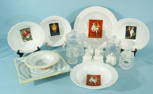 11L: BOX LOT OF ASSORTED PORCELAIN AND GLASS PIECES