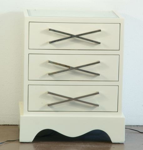 4: CONTEMPORARY CHEST WITH MIRRORED TOP