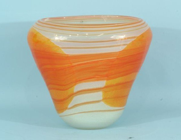 14: CONTEMPORARY ART GLASS VASE
