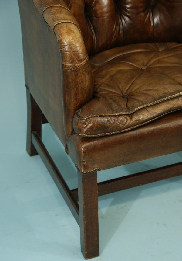 81: DISTRESSED LEATHER CHESTERFIELD TUB CHAIR - 4
