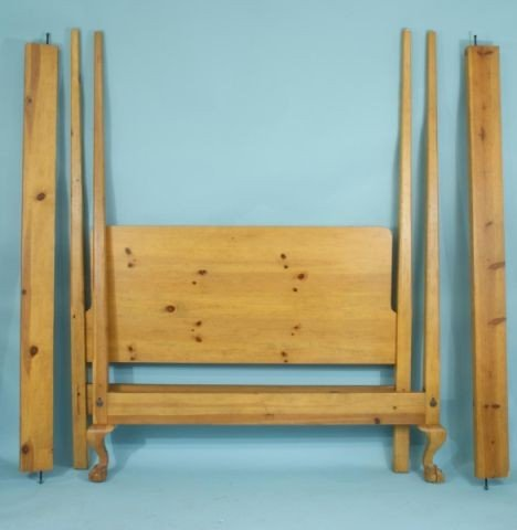 33B: QUEEN SIZE PINE FOUR POSTER BED