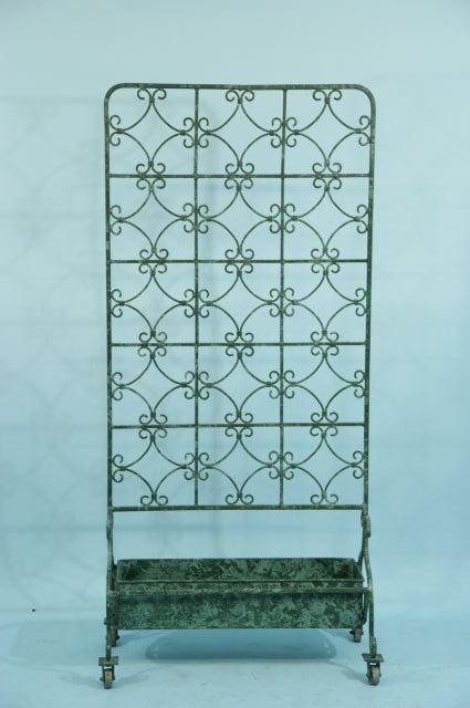 25: IRON VERDIS PATINAED PLANTER WITH TRELLIS