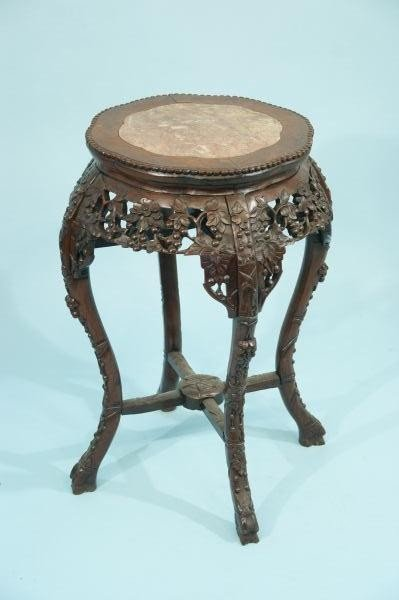 23: 19th CENTURY  CARVED ROSEWOOD CHINESE URN STAND