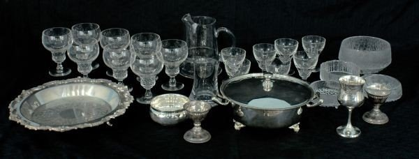 6: LOT OF TWENTY-SIX SILVER AND GLASSWARE PIECES