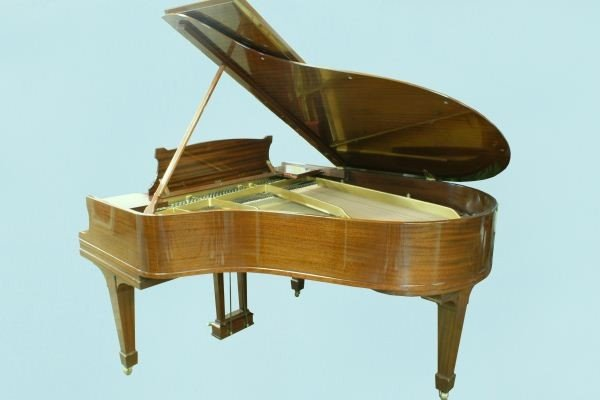 80F: BABY GRAND MAHOGANY PIANO BY STEINWAY & SONS, NEW