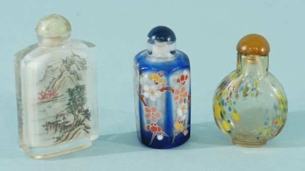 9: THREE PAINTED GLASS SNUFF BOTTLES