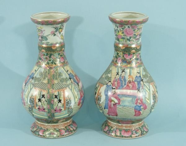 10: PAIR OF CHINESE FAMILLE ROSE PORCELAIN VASES