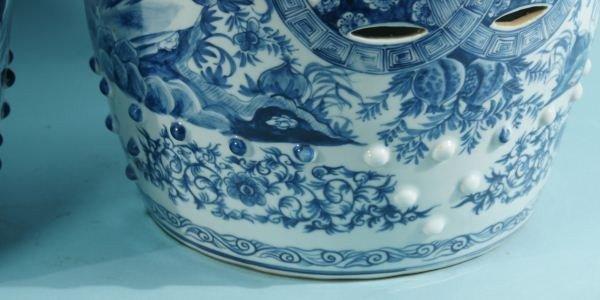 16: PAIR CHINESE BLUE & WHITE PORCELAIN GARDEN STOOLS - 4