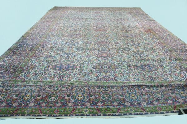 227: WELL-PROPORTIONED ANTIQUE PERSIAN RUG