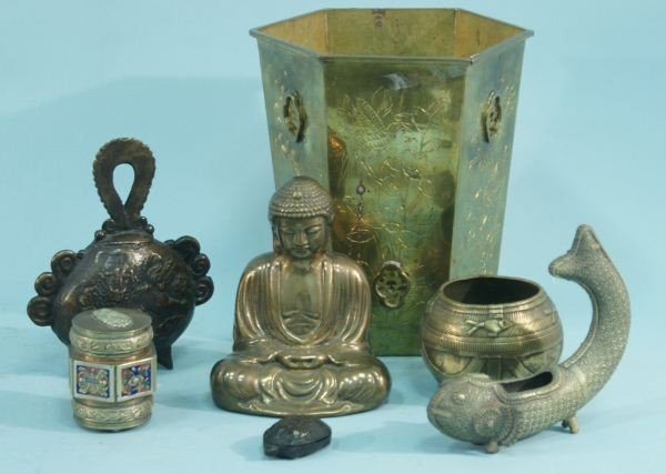 2: MIXED LOT OF SEVEN ORIENTAL BRASS & BRONZE OBJECTS