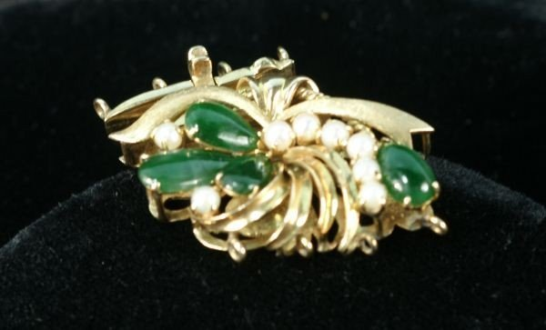 33: 14KT GOLD JADE & SEED PEARL CLASP BROOCH