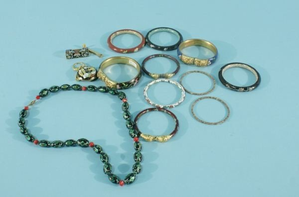 14: LOT OF THIRTEEN CLOISONNE JEWELRY ACCESSORY PIECES