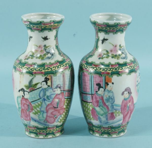 7: PAIR OF CHINESE FAMILLE ROSE PORCELAIN VASES