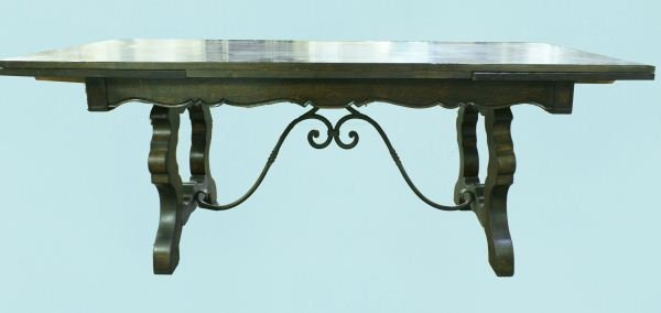 17: EARLY 20th CENTURY FRENCH OAK DRAW LEAF TABLE