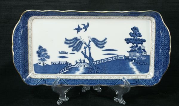 102: FIVE ANTIQUE BLUE WILLOW DISHES BY ROYAL DOULTON - 2