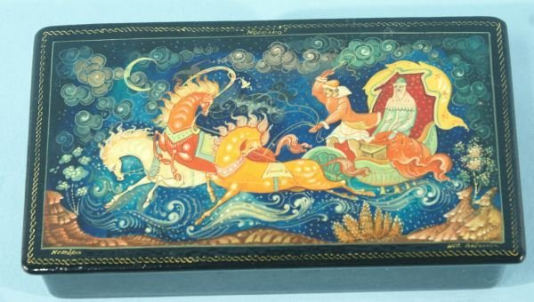 4: RUSSIAN LACQUER BOX OF FLYING HORSE & CARRIAGE