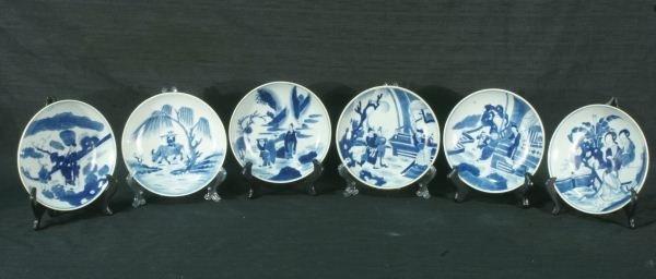 10: SET OF SIX BLUE & WHITE CHINESE PORCELAIN PLATES
