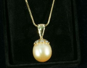 NEW NATURAL GOLDEN SOUTH SEA PEARL PENDANT