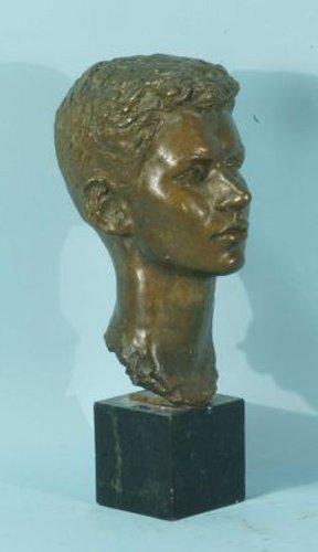 100: BRONZE HEAD OF BOY. SIGNED ROCCHI '54