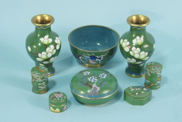 6: MIXED LOT OF EIGHT GREEN CLOISONNE PIECES
