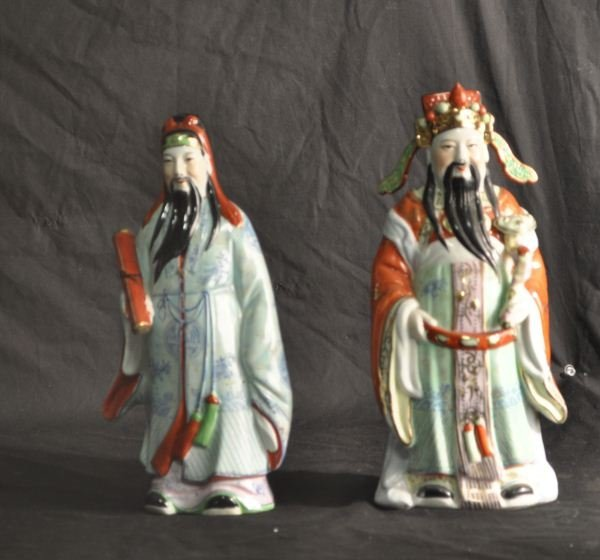 7: PAIR OF VINTAGE CHINESE PORCELAIN FIGURES