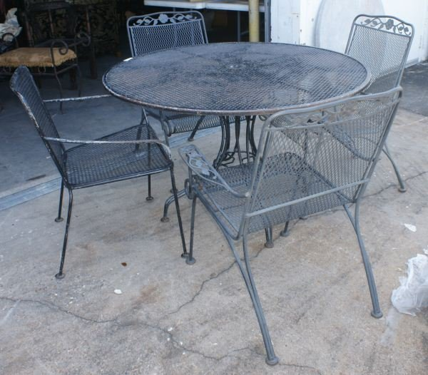 35A: VINTAGE WOODARD WROUGHT IRON PATIO FURNITURE