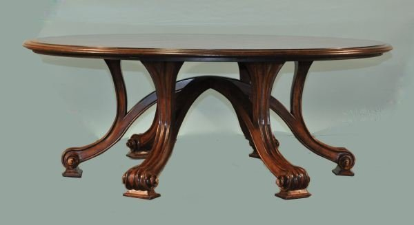 40: ROUND DINING TABLE