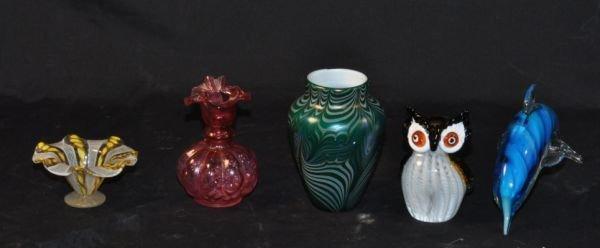 6: FIVE PIECE MIXED LOT OF ART GLASS