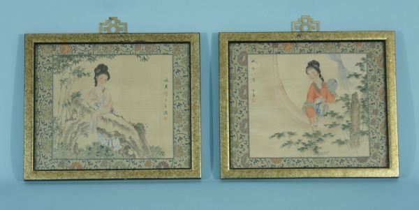 PAIR OF CHINESE PAINTINGS ON SILK FABRIC