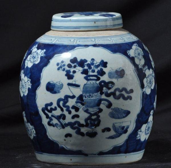 ANTIQUE CHINESE BLUE AND WHITE PORCELAIN LIDDED JA