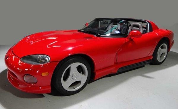 1993 DODGE VIPER. V-10 400 HP ENGINE, 27,302 MILES