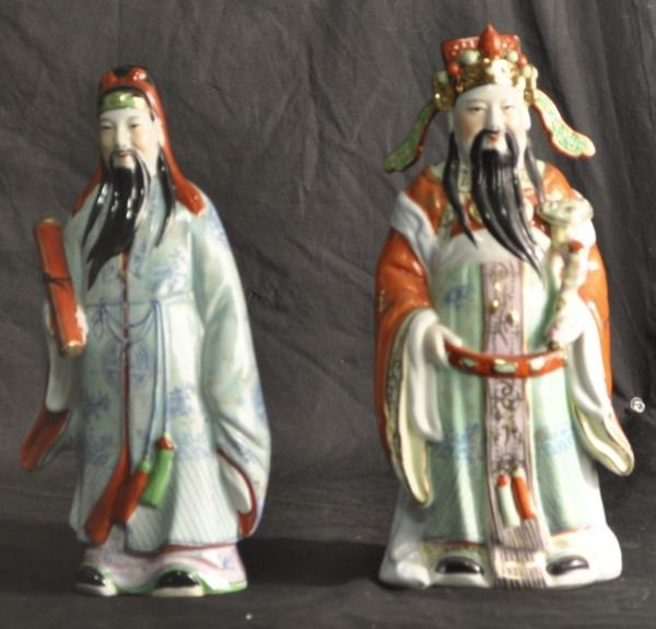 TWO VINTAGE CHINESE PORCELAIN FIGURES