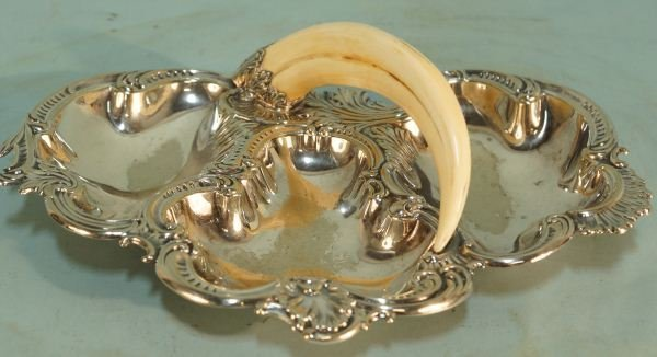 VICTORIAN SHEFFIELD VICTORIAN DISH WITH BOAR TUSK