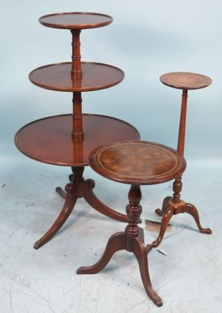 LOT OF THREE 1940's COLONIAL STYLE MAHOGANY TABLE