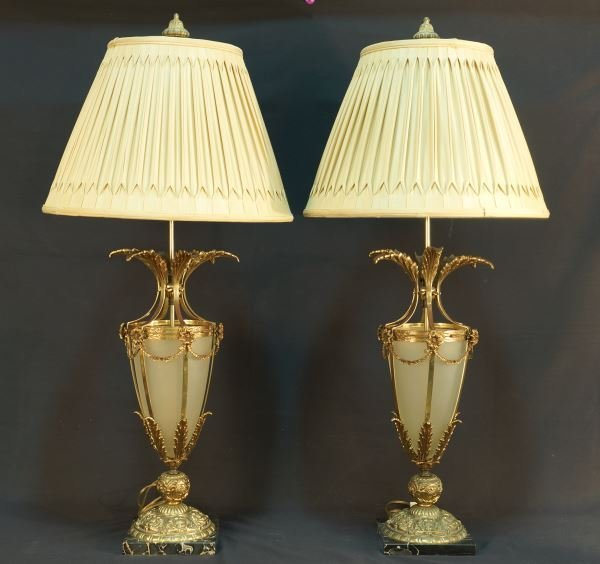 PAIR OF 1940's URN SHAPED NEOCLASSICAL LAMPS