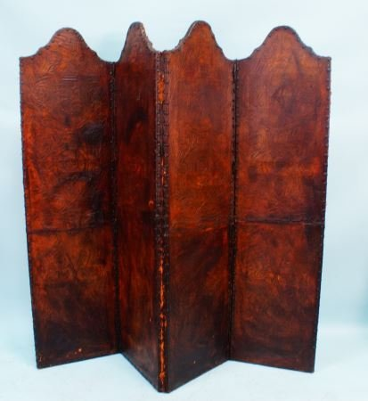 18th/19th CENTURY SPANISH TOOLED LEATHER SCREEN