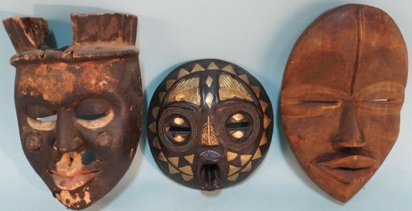 LOT OF THREE AFRICAN MASKS