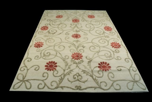 HAND KNOTTED FLORAL PRINT RUG