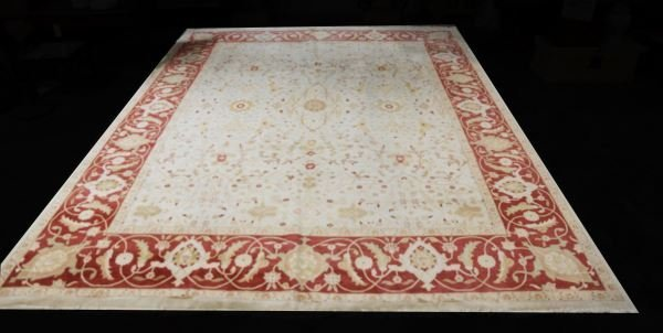 HAND KNOTTED PERSIAN RUG IN IVORY AND RUST