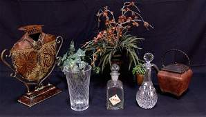 MIXED LOT OF EIGHT DECORATIVE PIECES