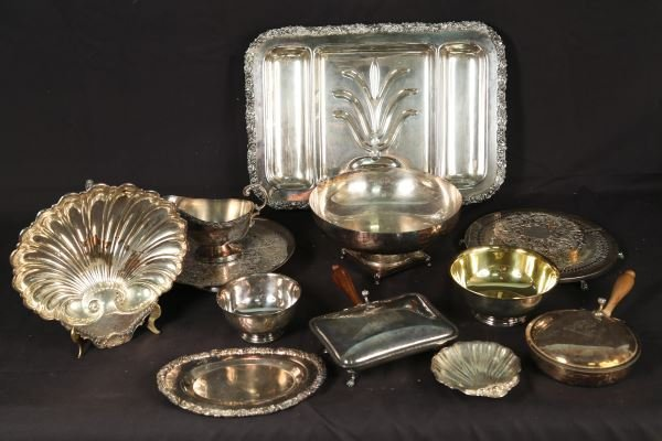 MIXED LOT OF THIRTEEN SILVERPLATED SERVING PIECES