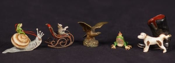 MIXED LOT OF FIVE ANTIQUE FIGURES