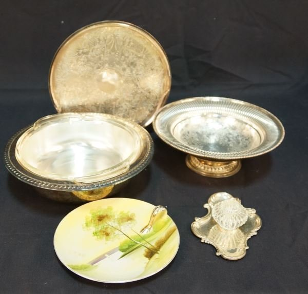 MIXED LOT OF SEVEN SILVERPLATED SERVING PIECES