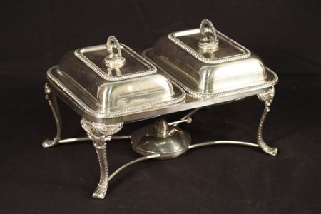 SILVERPLATED DOUBLE COMPARTMENT SERVING TRAY