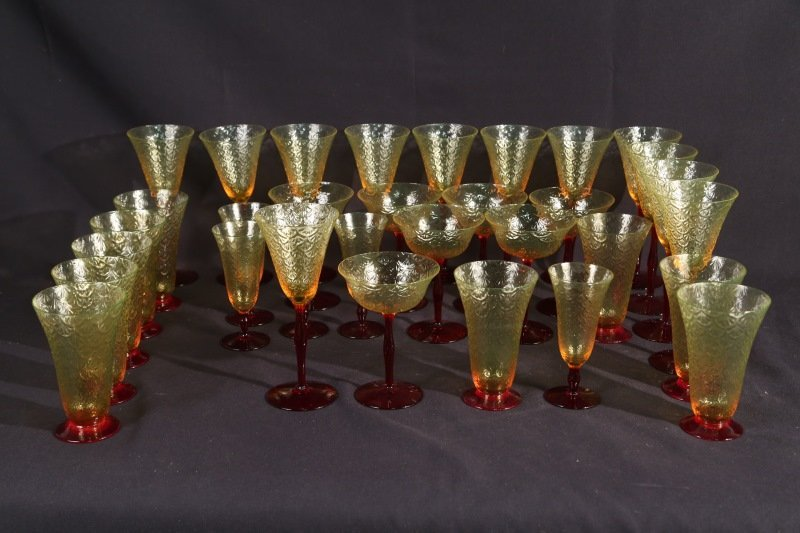 LOT OF THIRTY-THREE YELLOW & RED GLASSES