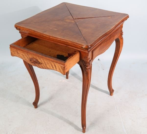 EARLY 20th C. FRENCH STYLE HANDKERCHIEF TABLE