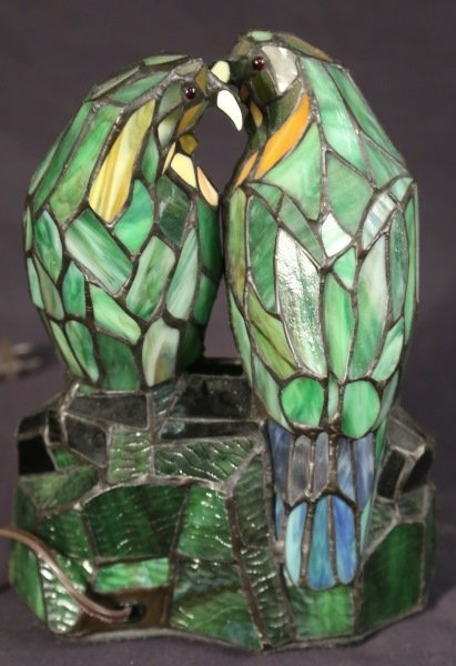 STAINED & LEADED GLASS TIFFANY STYLE PARROT LAMP - 2