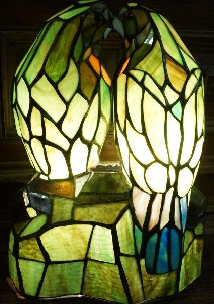 STAINED & LEADED GLASS TIFFANY STYLE PARROT LAMP - 3